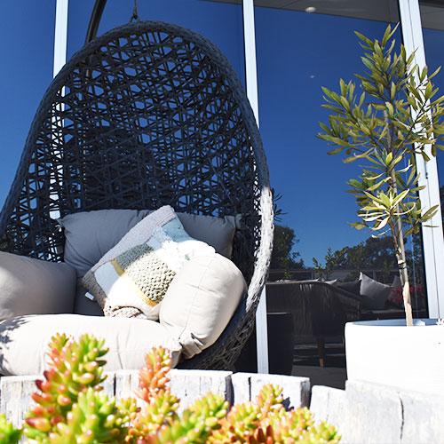 hbs-outside-eggchair